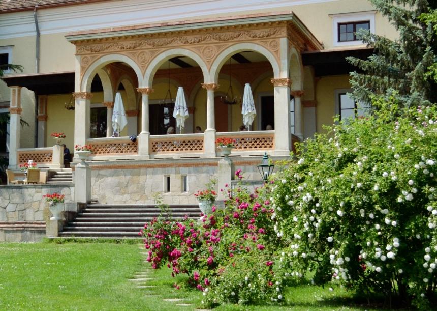 Terrasse Schlosshotel Weikersdorf Baden bei Wien