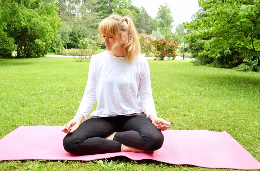 Yoga im Rosengarten Baden bei Wien