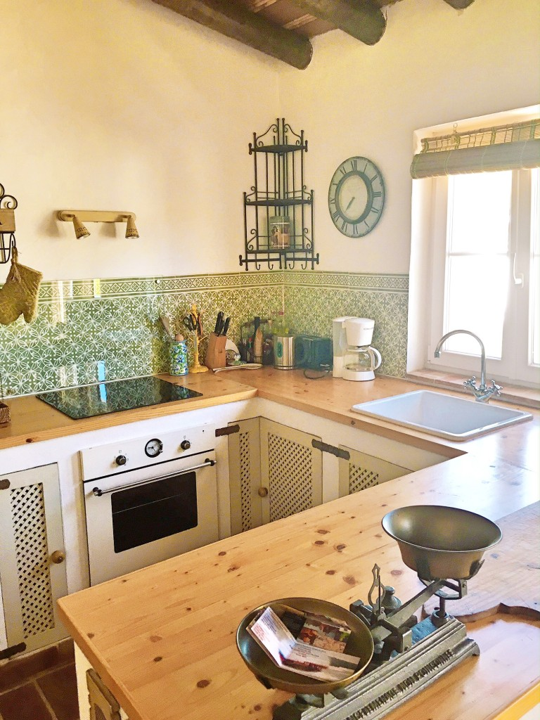 kitchen-holidayhome-westalgarve