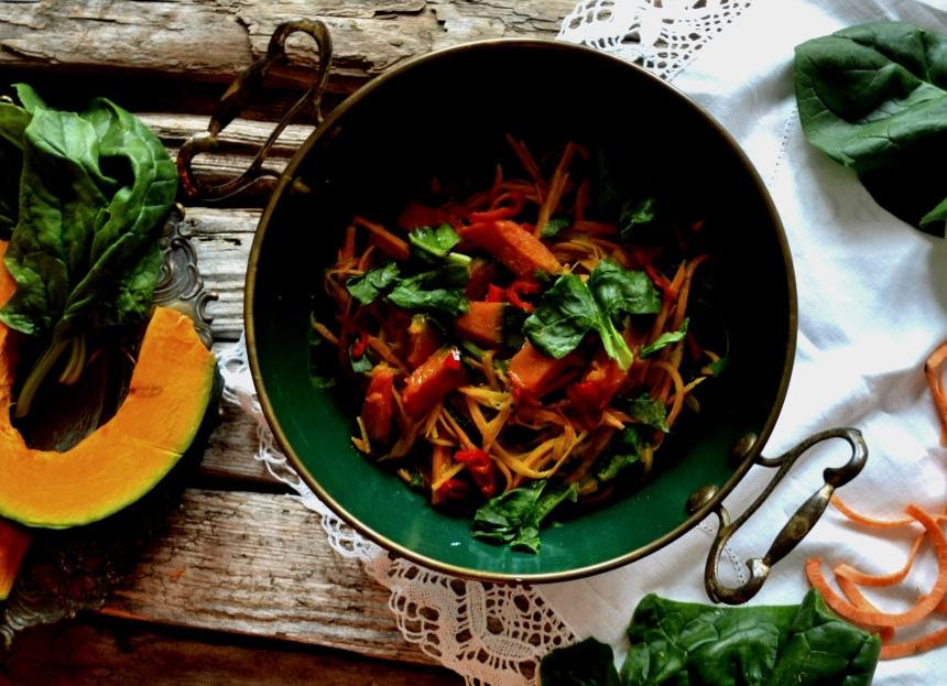 spaghetti-aus-suesskartoffeln-lowkarb-asiatische-pasta-vegan-for-fit