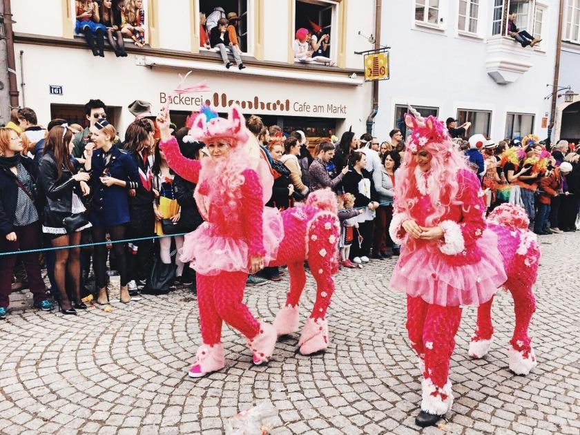 Einhornkostüm an Fasching Umzug Landsberg 2017