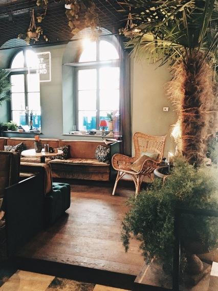 lost-weekend-munich-restaurant-interieur
