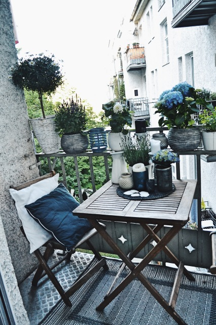 kleiner-balkon grossstadt-dekoideen